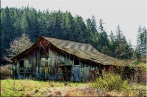 Old barn by ShannonCPhotography