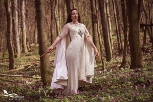 Luthien.... by LucreciaMortishia