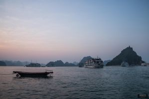 Ha Long Bay by brightstyle
