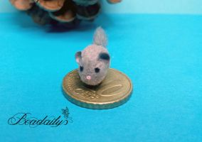 Chinchilla made from Polymer Clay and Fibers by Beadailys