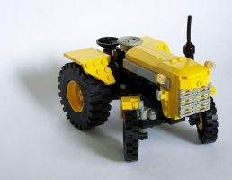 LEGO tractor front by Bobofrutx
