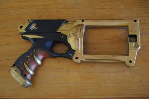 Golden gun by Emmasphere