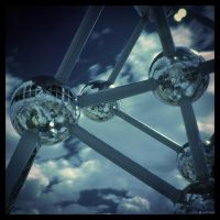 Flying Balls IR by caithness155