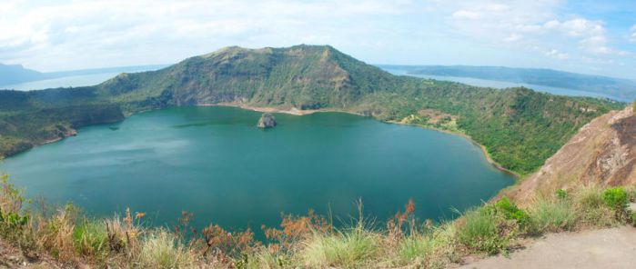 Taal Lake Panorama by molybdenumstudios