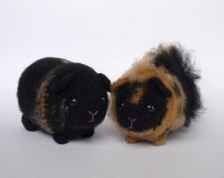 Custom guinea pigs by LunasCrafts
