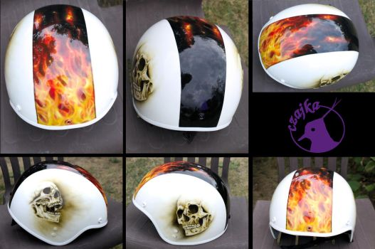 Airbrush helmet - fire and skulls with clear coat by czajka