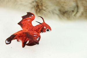 Red dragon-fox by hontor