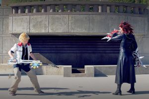 Axel and Roxas - Must we fight? by lunaecIipse