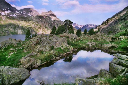 Respomuso Lakes by aetherix