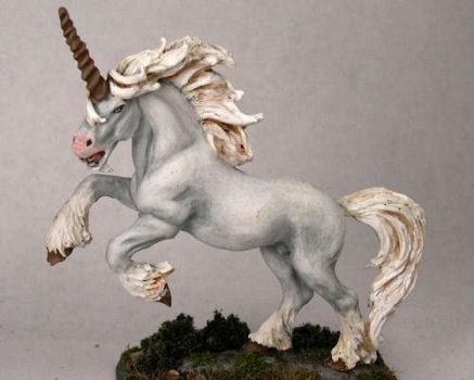 Unicorn by whuffie