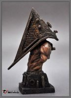 Pyramid head bust1 by spidertoys