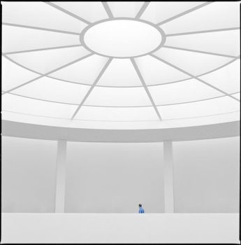 alone in the white by quadratiges