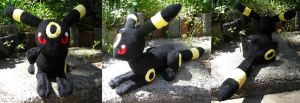 Umbreon Plushie by PeaceFluffles