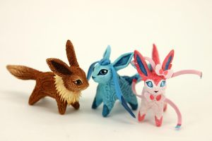 Eevee, Sylveon, Glaceon by hontor
