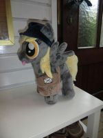 Mailmare Derpy Hooves by Caleighs-World