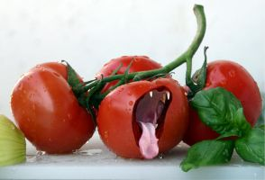 mad tomato by reizvolle