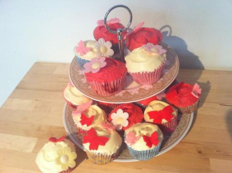 Cupcakes 3 by victoria33