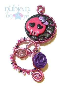 Wire wrapped - Cute Skull by colourful-blossom