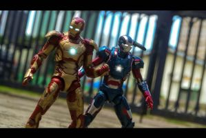 MK 42 and Iron Patriot by ConvoyKaiser