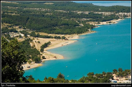 Lake in France by ZuqR