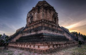 Wat Chedi Luang in Chiang Mai by SantiBilly