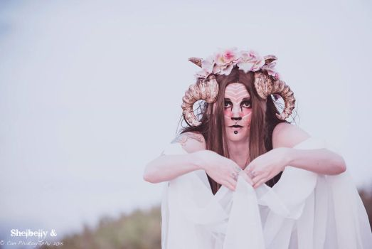 Faun-o-Flowers by shelbelly