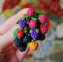 Berry Cluster by Madizzo