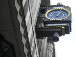 Art Deco Clock, London by hecestmoi