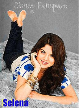 Selena Edit by LaiLaiRiss72